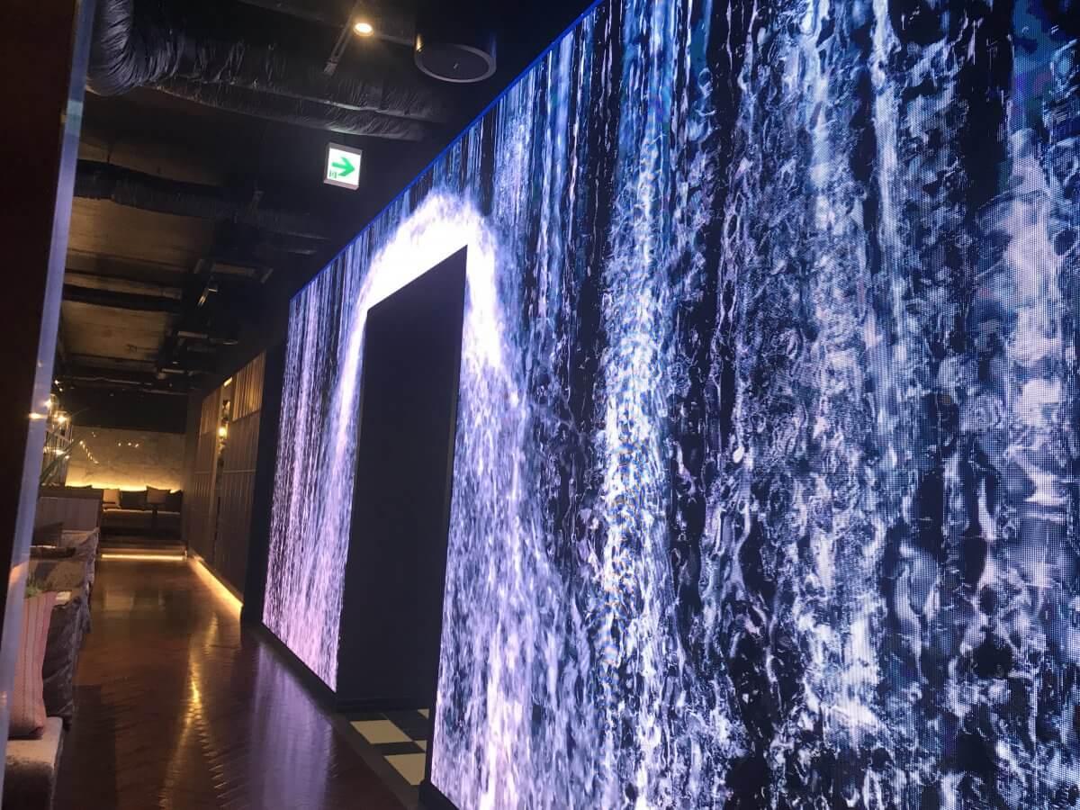 空間の最先端!札幌市すすきのにオープンした「Garden Art」にLEDビジョンを導入いたしました