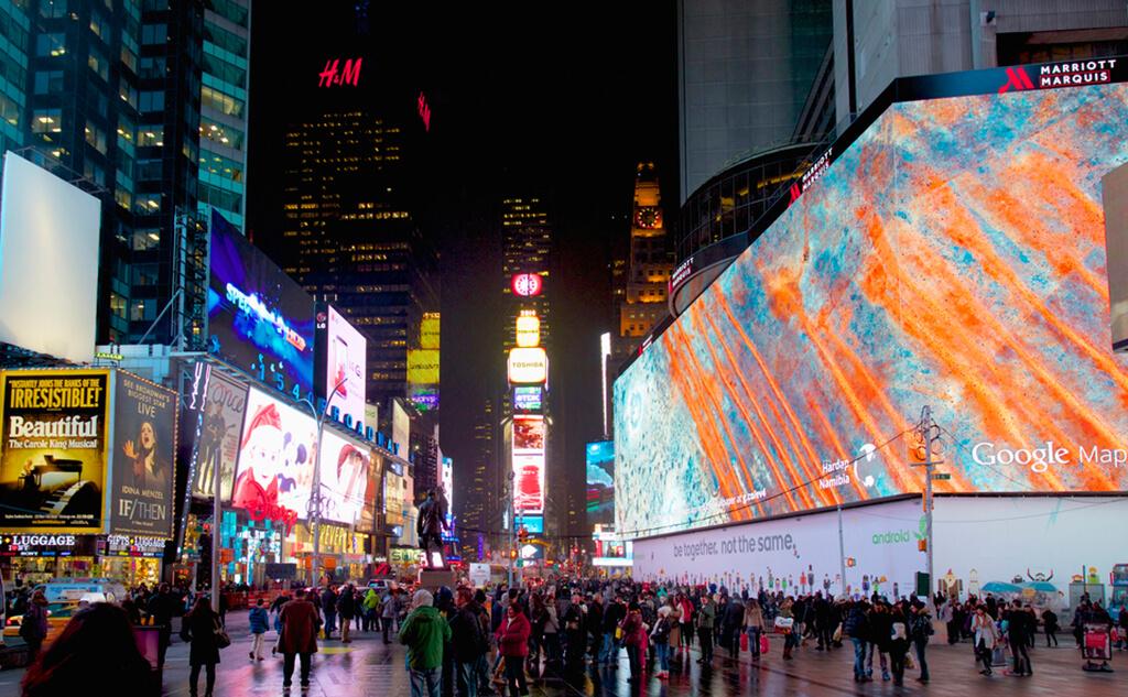 東京五輪需要で「4K」LEDビジョンに期待大!世界最大のオーロラビジョンはタイムズスクエアに!