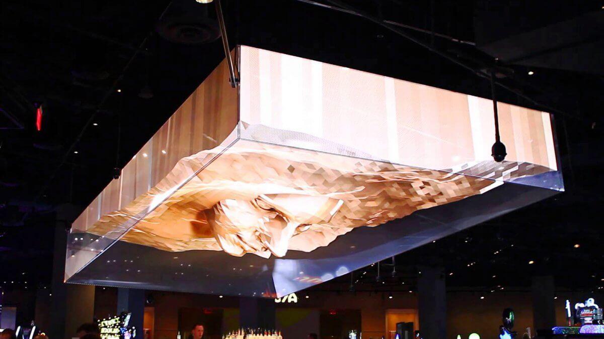 3D「黄金の顔」がLEDビジョンで出現!世界一の歓楽都市ラスベガスが魅せる異次元のエンターテイメント