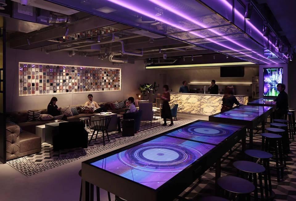 東京・渋谷にオープンした宿泊施設「The Millennials」に、液晶ディスプレイを設置いたしました