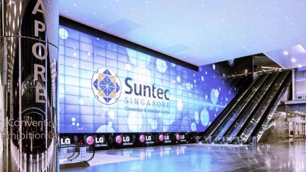 最大と呼ばれる複合施設のエントランスで待ち構える超特大LEDビジョン!「SUNTEC CITY MALL / シンガポール」