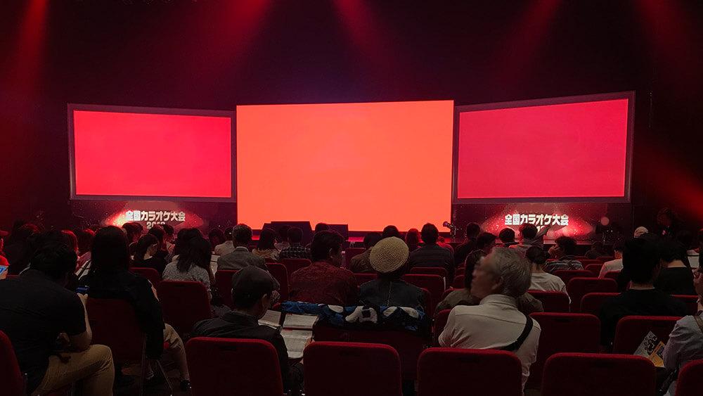 カラオケメーカー主催による全国カラオケ大会会場に、大型LEDビジョンを設置しました