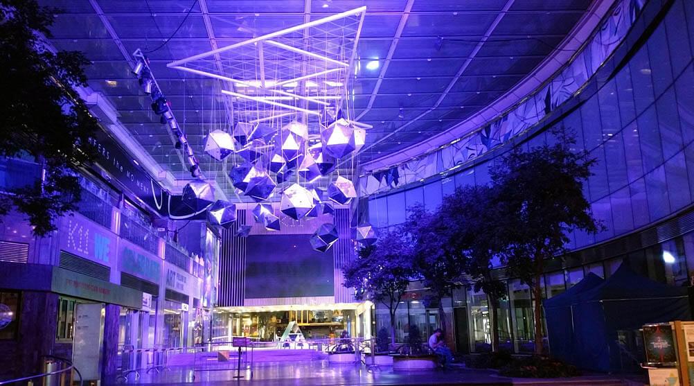 香港を代表する繁華街チムサーチョイにも誰もが知る有名LEDビジョンがある!「K11 / The Piazza」