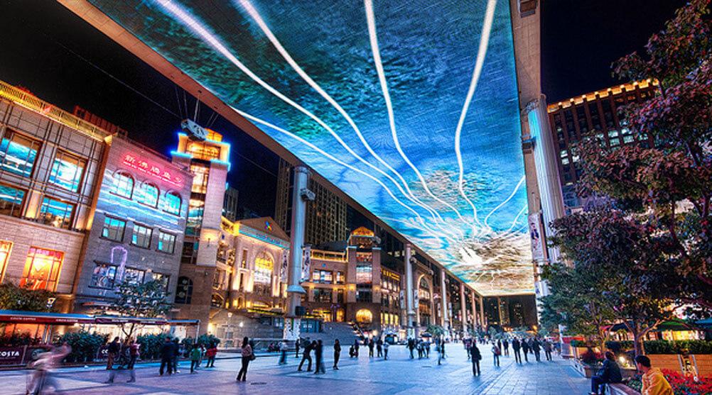 中国・北京の有名巨大LEDビジョン!長さ250メートルの天井に広がるスカイスクリーン!「The Place Mall」