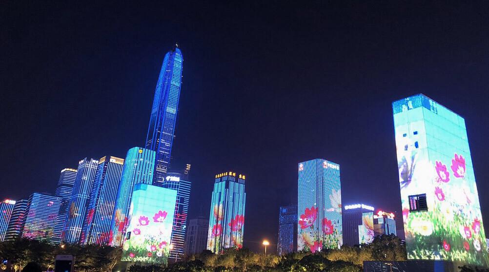 10月1日より開催中!いくつもの高層ビルが輝くLEDビジョンを利用したショーが超衝撃!「中国・深セン」