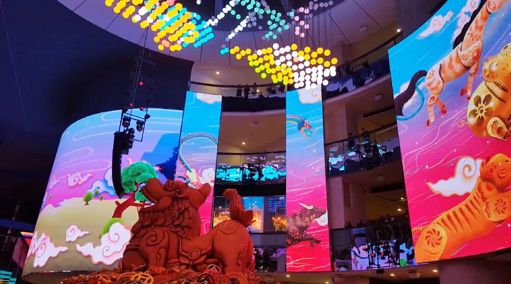 超特大の「LEDビジョン」と最先端技術が生む壮大なインスタレーションに世界が注目