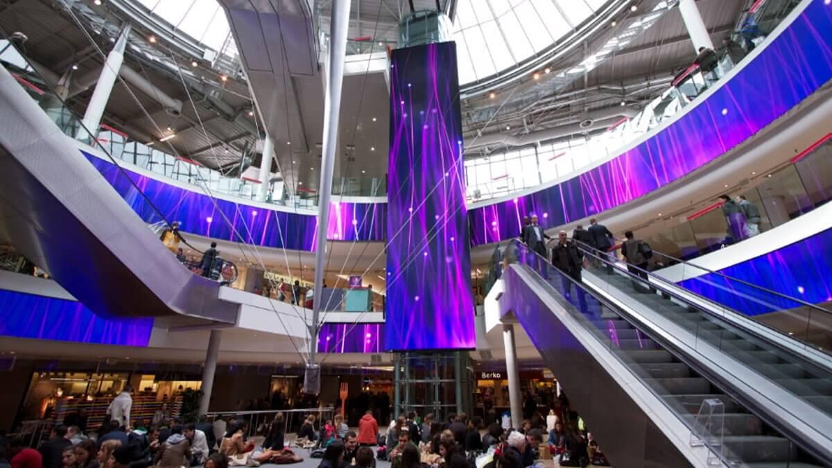 全仏オープンでも話題の「パリ」で、ヨーロッパをリードした「LEDビジョン」によるショッピング体験