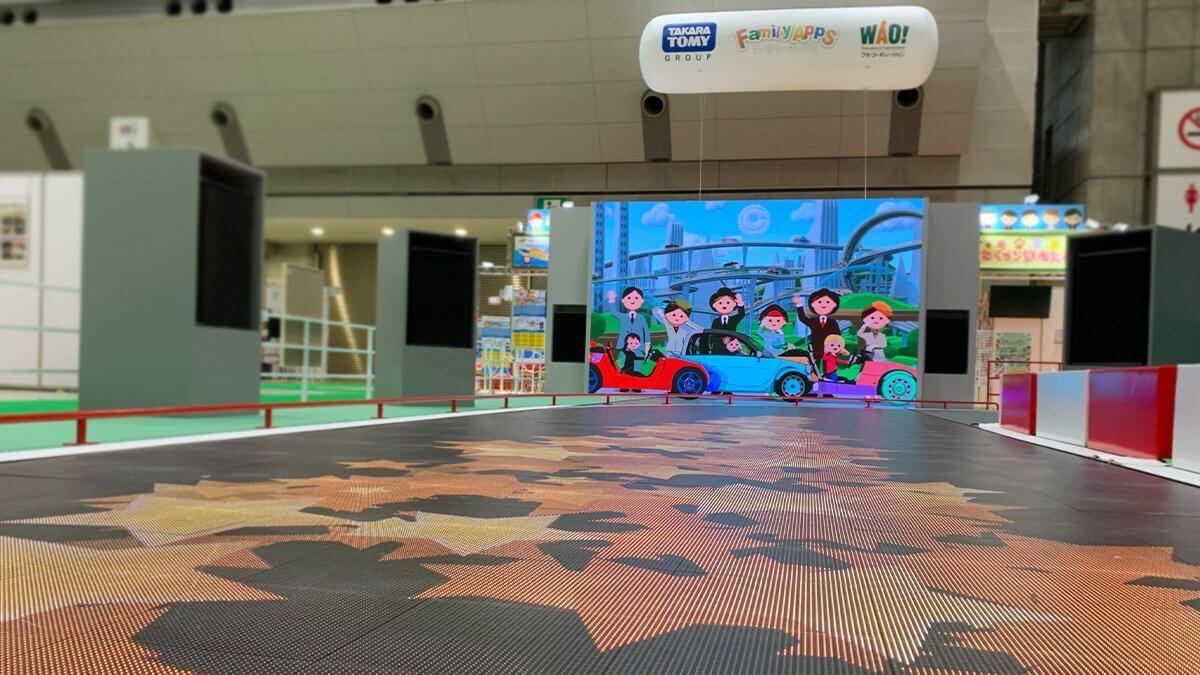 「東京おもちゃショー2019」が開催!「トヨタ自動車株式会社」展示ブース「CAMATTE CONNECTION」に、LEDビジョンを導入