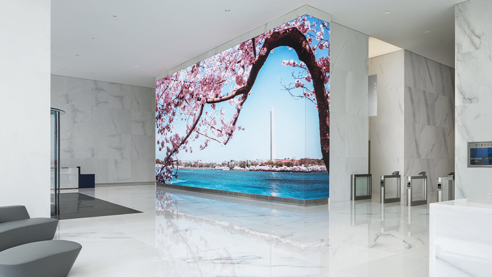 アメリカの新しいオフィスタワーに美しい大型LEDビジョンが誕生!「Central Place Tower」