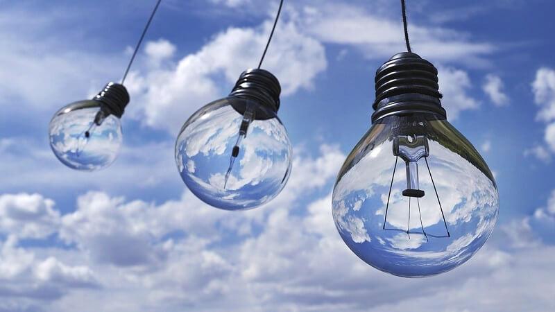 LEDとは?発光の仕組みと特徴、LEDビジョンについて解説