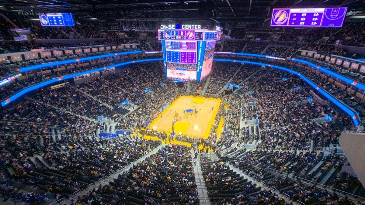 """NBAバスケット""""ウォリアーズ""""の新本拠地「チェイス・センター」がついに完成!360度超巨大スクリーンが誕生"""