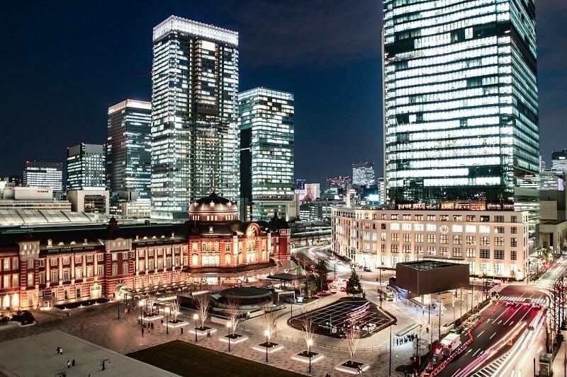 東京駅にあるデジタルサイネージの広告料金は?丸の内大型ビジョン、TOKYO MARU-VISION、J・ADビジョン東京