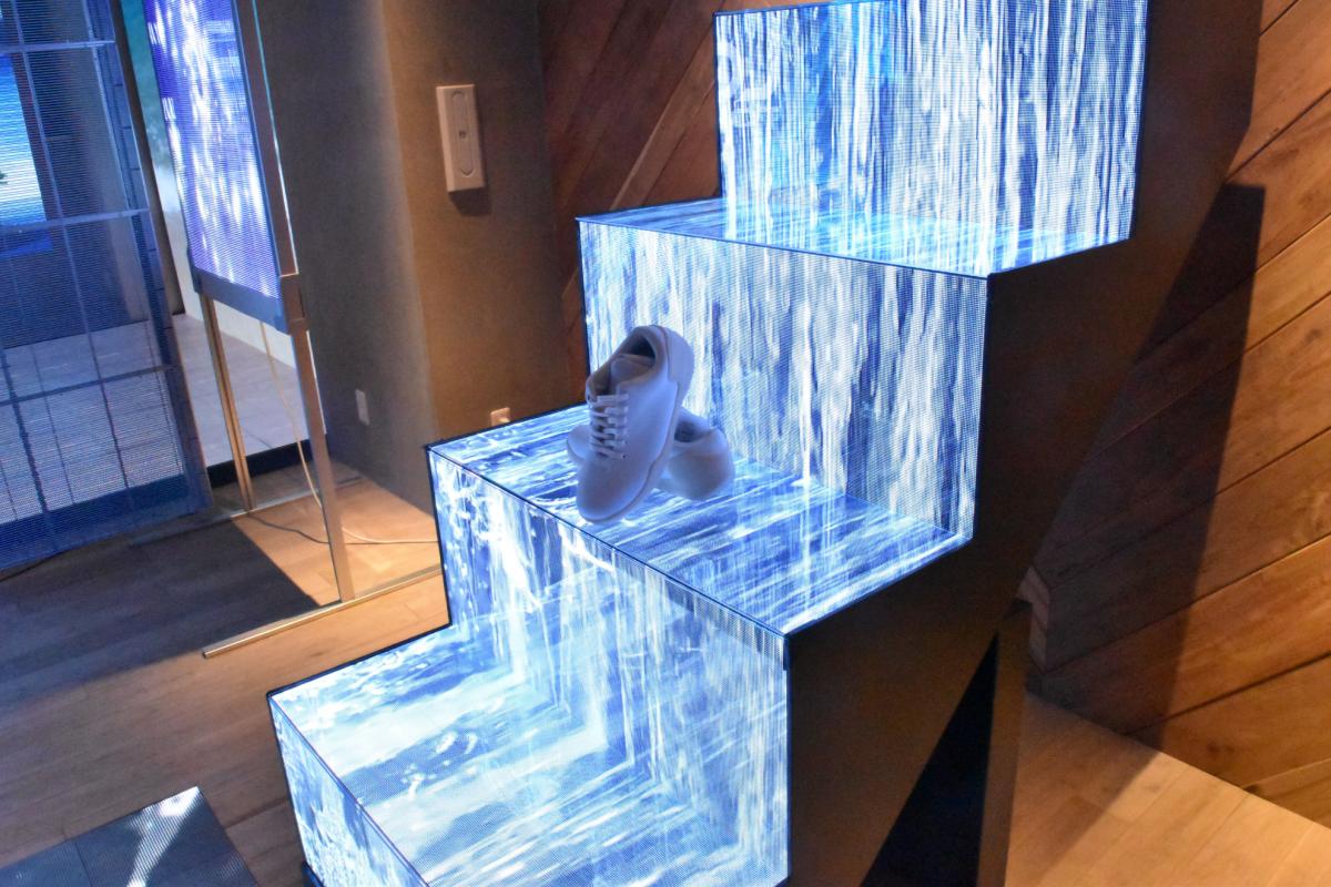 陳列棚として利用可能なLEDビジョン『Shelf LED』リリース!