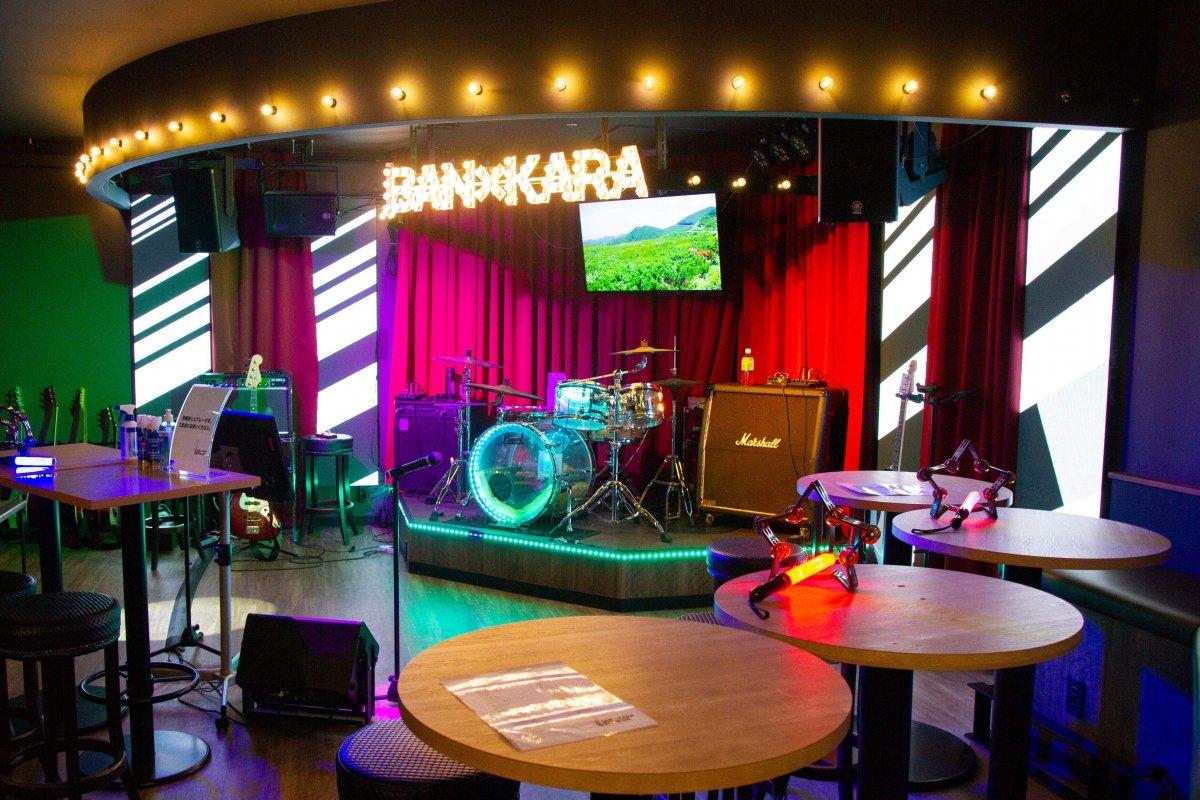 BAN×KARA ZONE-UKにLEDビジョンを導入しました。