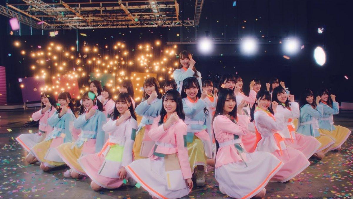 日向坂46、5thシングル『君しか勝たん』のミュージックビデオにLEDビジョンを導入しました。